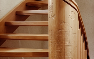 gewendelte-treppe-aus-franzoesisches-buchenholz