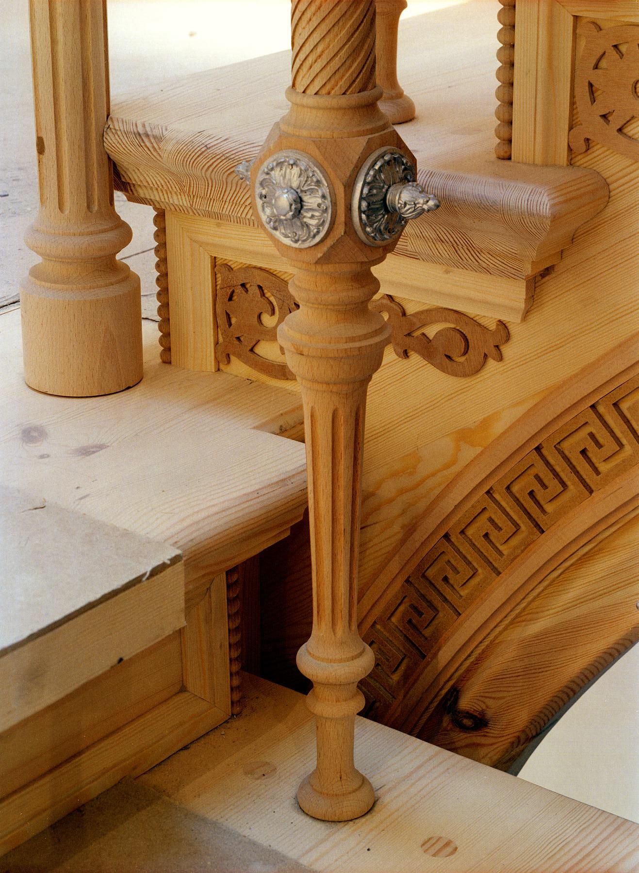 restauriertes-und-erweitertes-treppenhaus