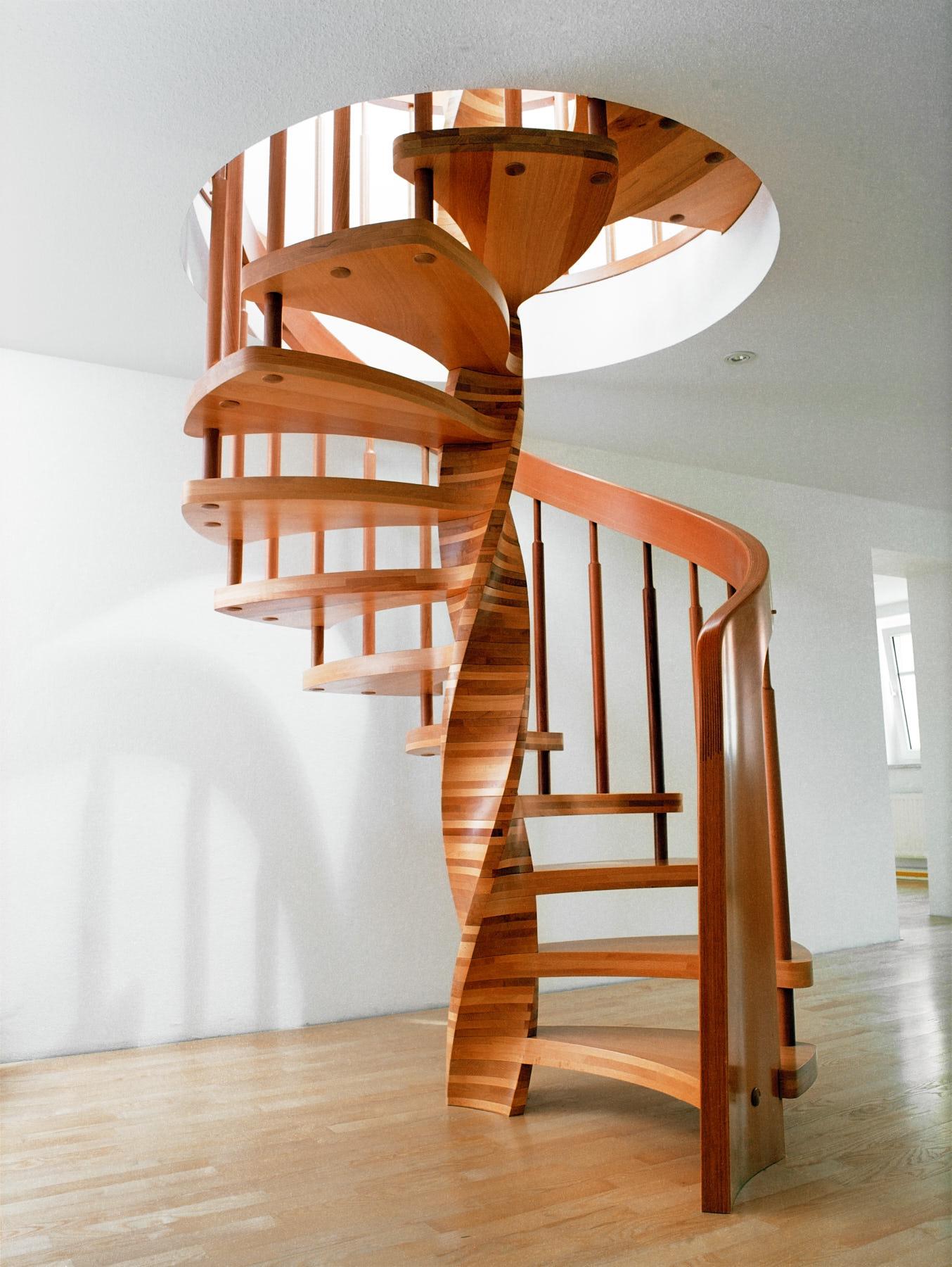 spindeltreppe-aus-buchenholz
