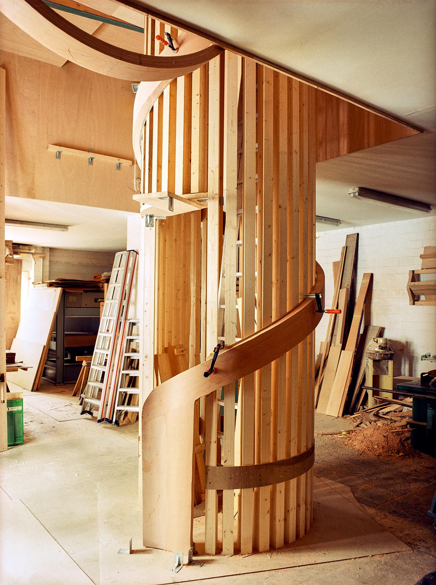 Holztreppe in Tischlerei in Brandenburg bei Berlin